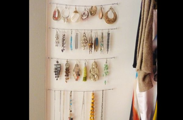 porta joias com cordões