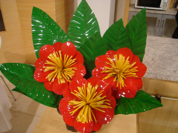 flor de garrafa pet amarela e laranja