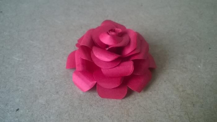 rosas de papel magenta