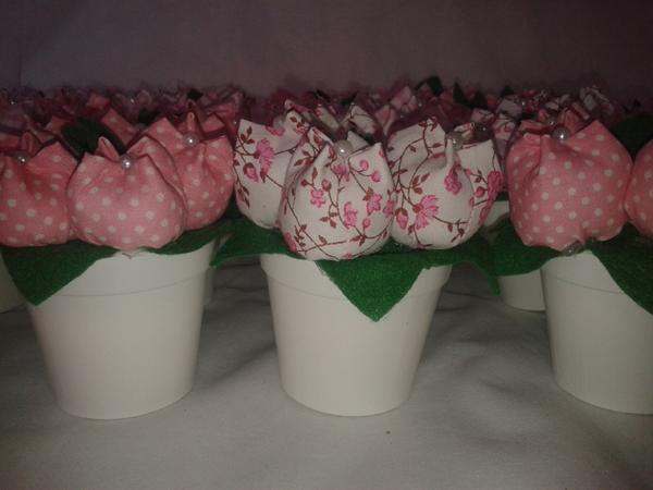 tulipa de tecido no vasinho