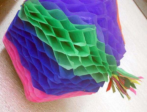 balão com papel para festa junina