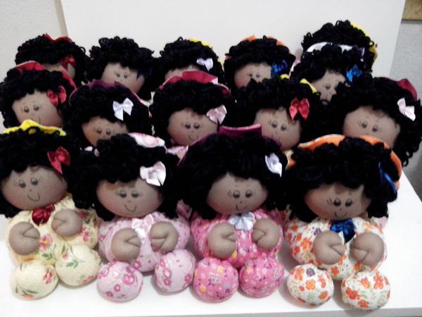 bonecas de tecido negras