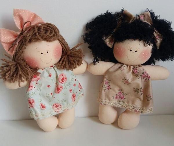boneca de tecido com vestido