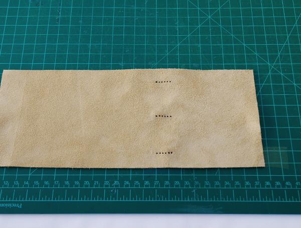 encadernação manual com couro