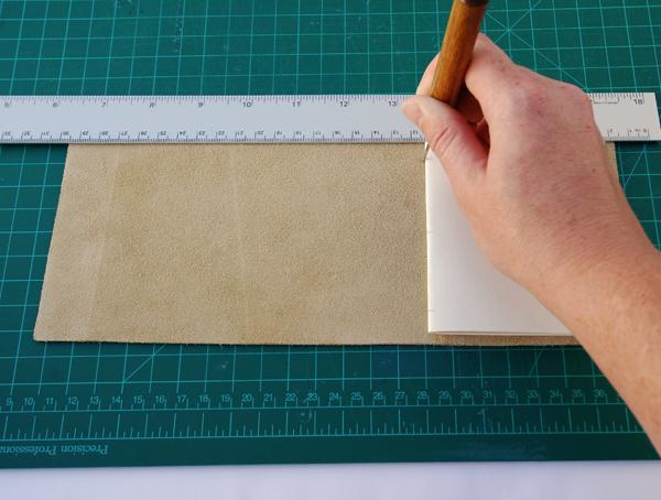 encadernação manual com sulfite