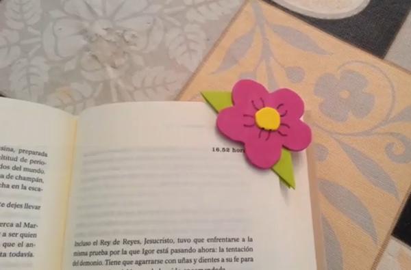 flor em EVA para marcar página