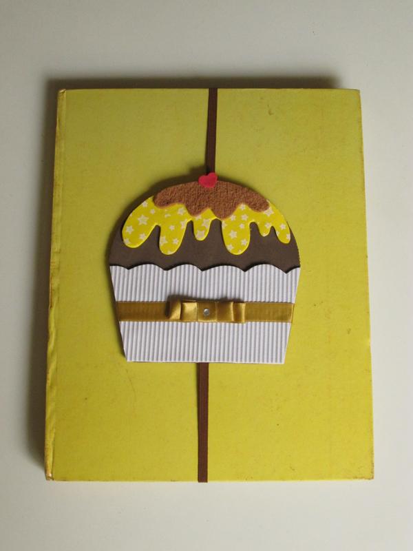marcador de livro em eva de cupcake
