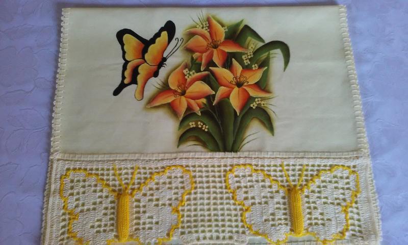 pintura em pano de copa com borboletas