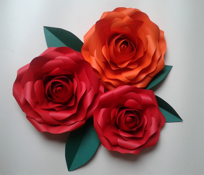 trio de rosas de papel