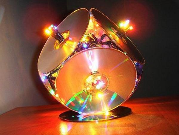 Artesanato com CD antigo luminária