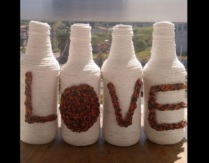 decoração de garrafa com barbante e cordão