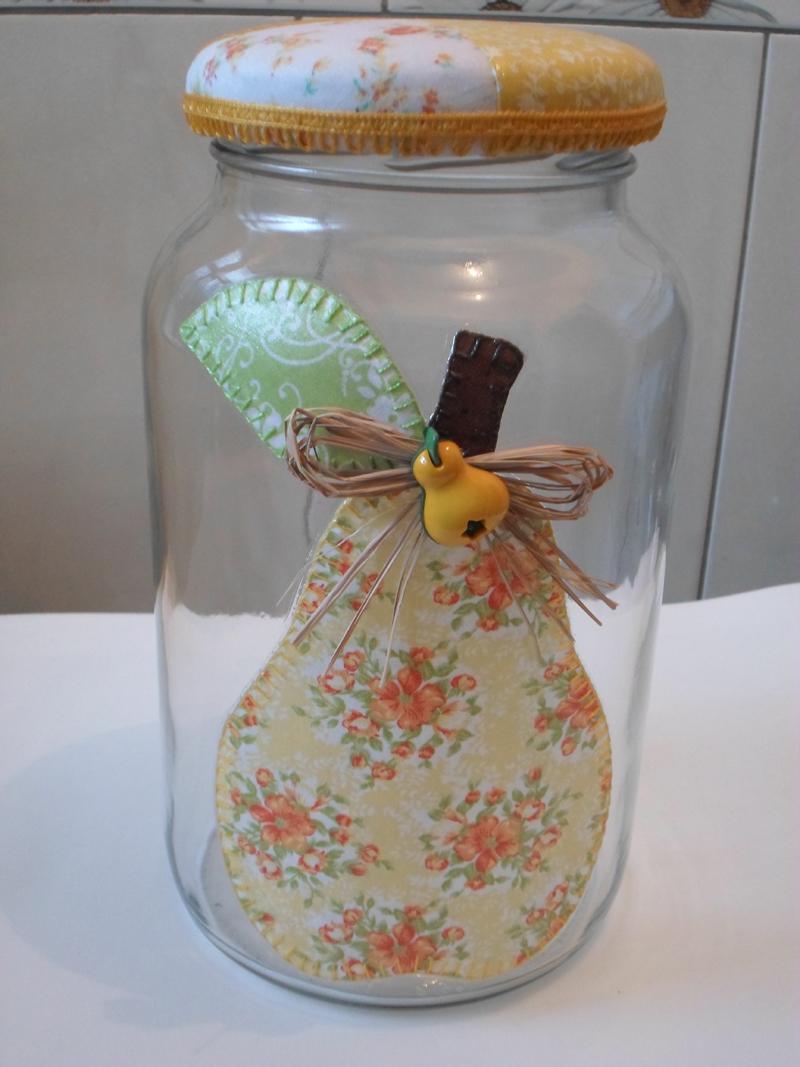 pote de vidro decorado com tecido e decoupage