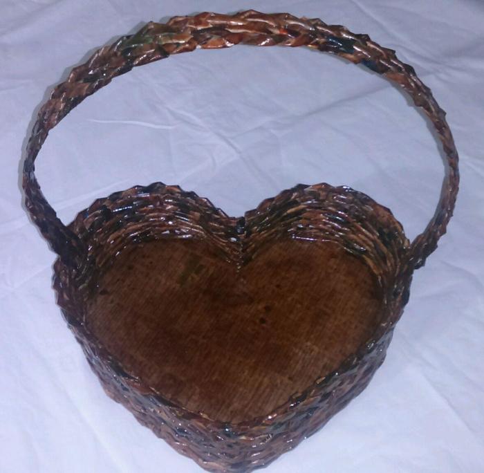 cestaria de jornal de coração