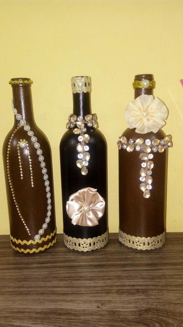 garrafa decorada com pedrarias
