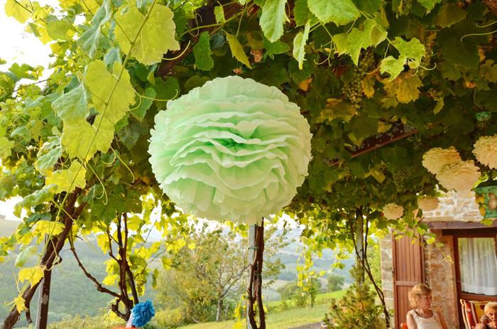 pompom de papel de seda verde