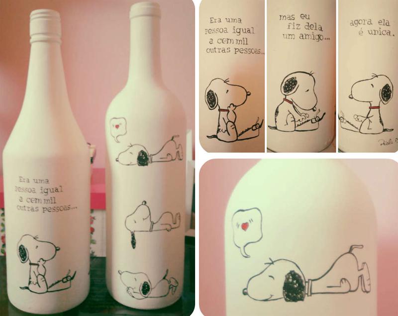 garrafa de vidro pintada com palavras