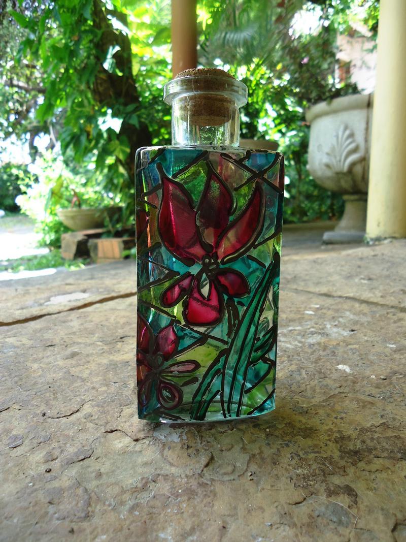 pintura com verniz vitral frasco