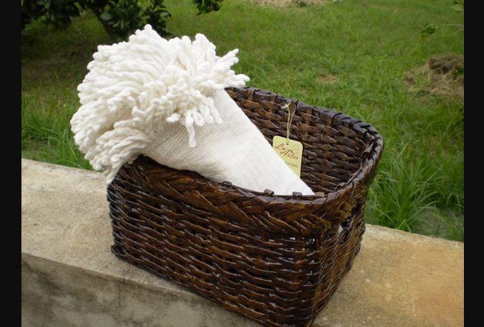cestaria de jornal marrom