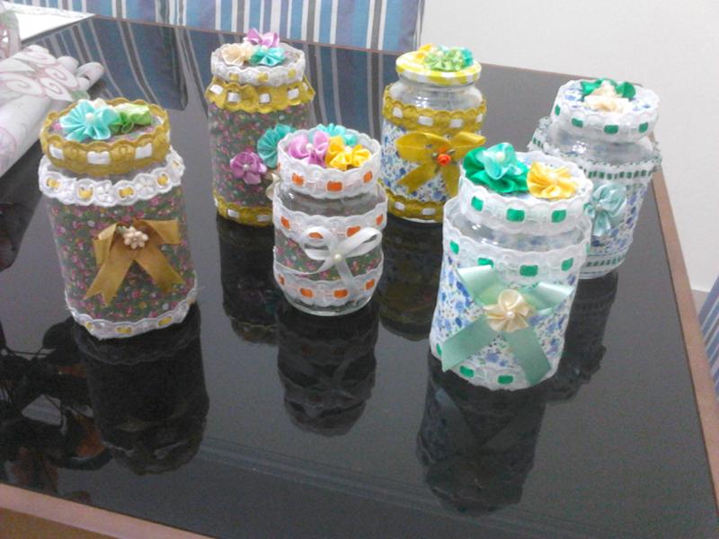 pote de vidro decorado com tecido e passafita