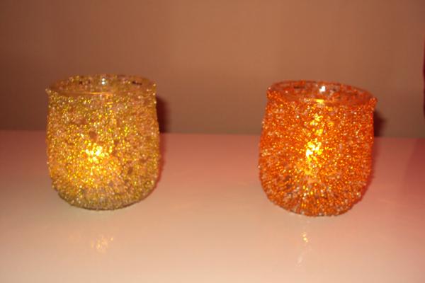 copo de vidro decorado com vela
