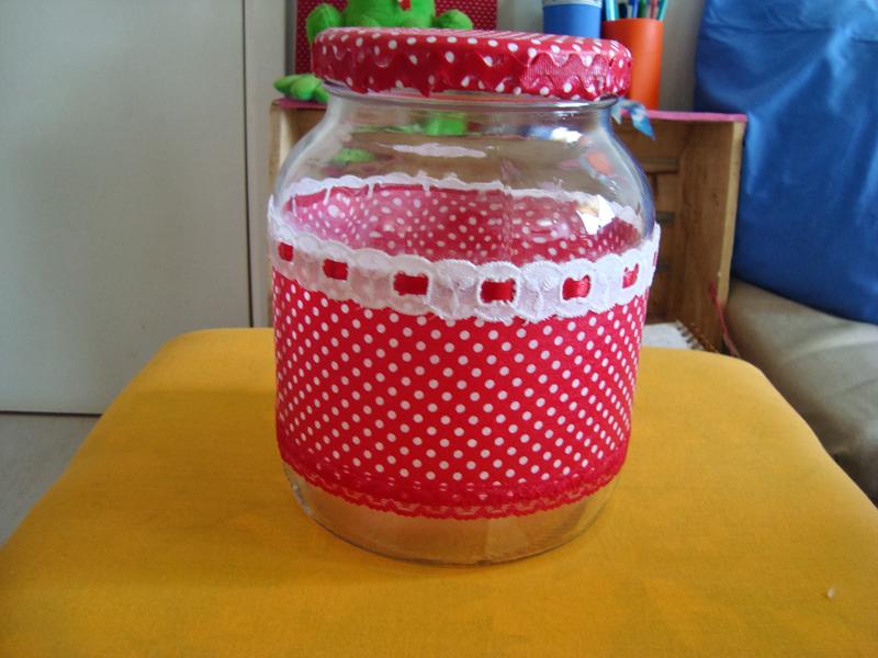 pote de vidro decorado com tecido poa