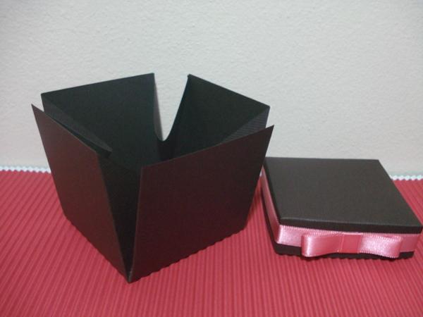 caixa de lembrancinha de papel preta