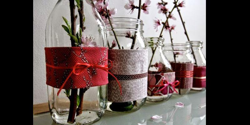 pote de vidro decorado com tecido e fitinha