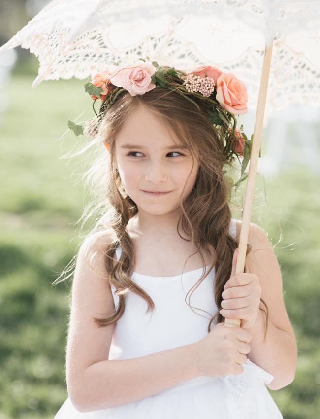 tiara com flor para daminha