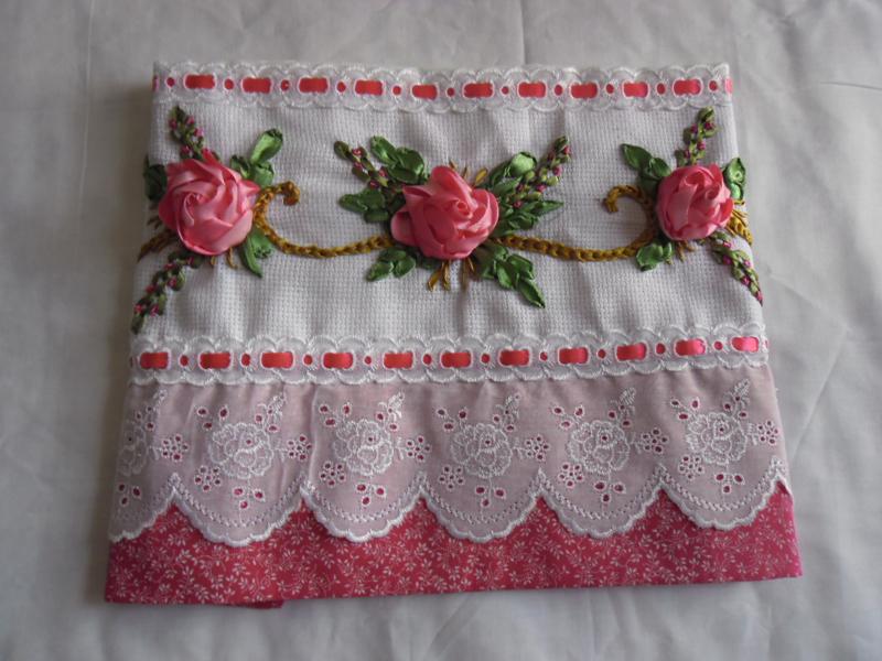 rosa de fita bordada
