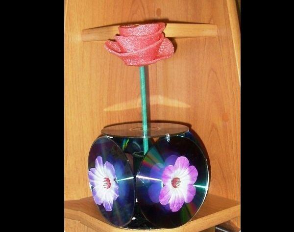 Artesanato com CD antigo vaso