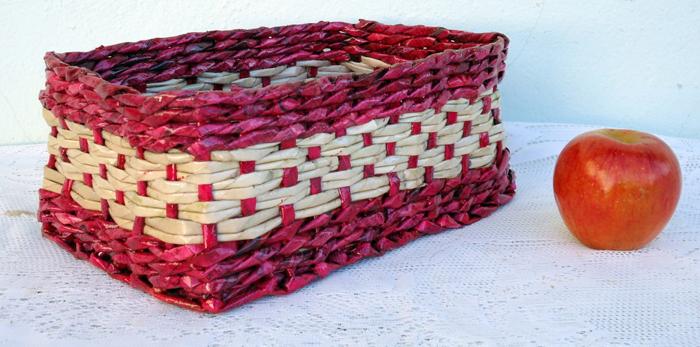 cestaria de jornal trançado