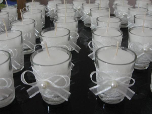 copo de vidro decorado com perolas