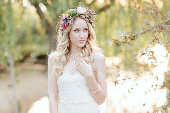 tiara com flor mesclada