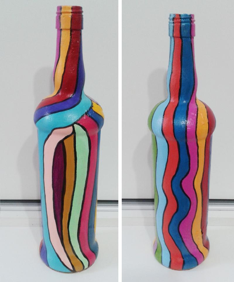 garrafa de vidro pintada colorida