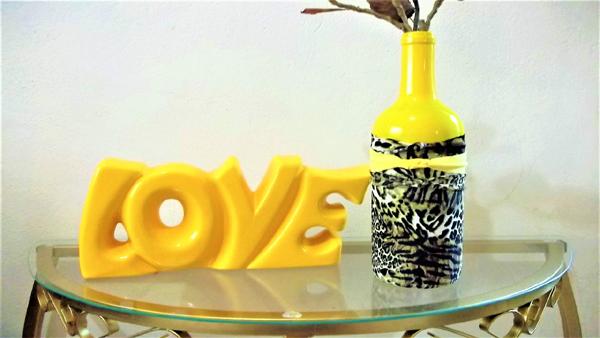 garrafa decorada amarela