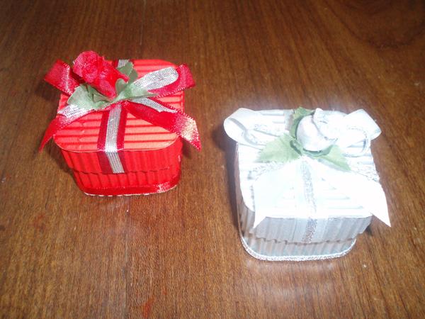 caixa de lembrancinha de papel com flor