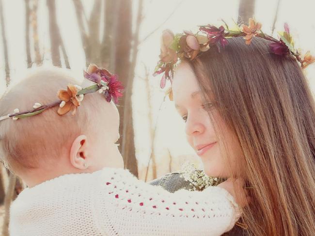 tiara com flor bebe e mamae