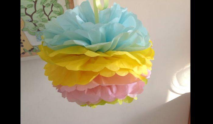 pompom de papel de seda com 3 cores