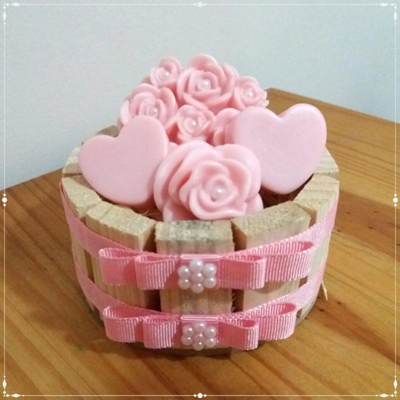 sabonete caseiro de rosas