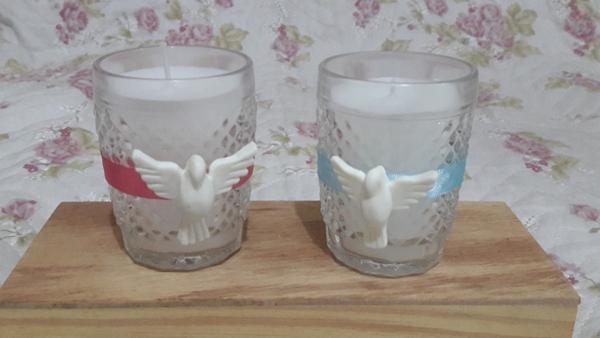 copo de vidro decorado com fita