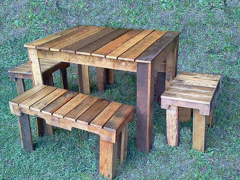 jogo de mesa com madeira