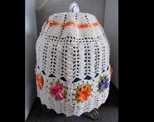 capa de bojão de crochê colorida