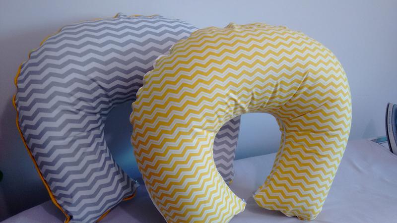 Almofada para amamentação colorida