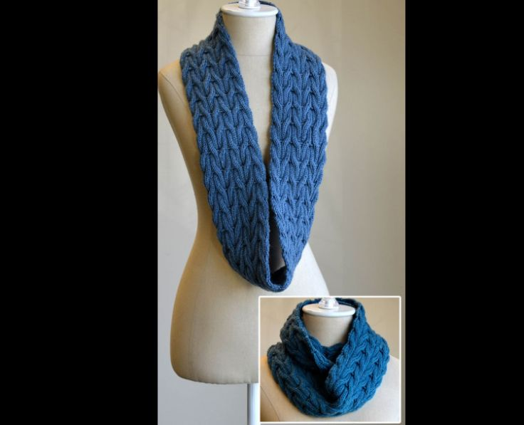 cachecol com tricô azul