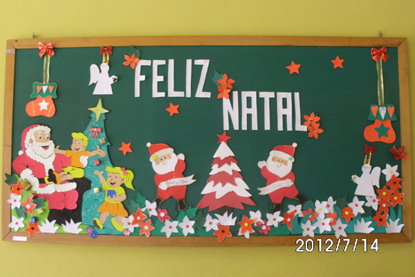 painel escolar de Natal com presente