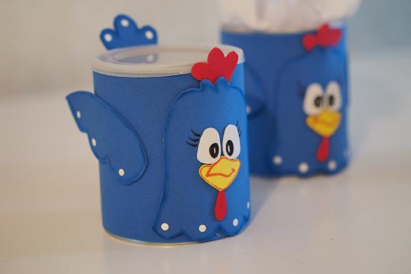 lembrancinha de lata de leite galinha pintadinha