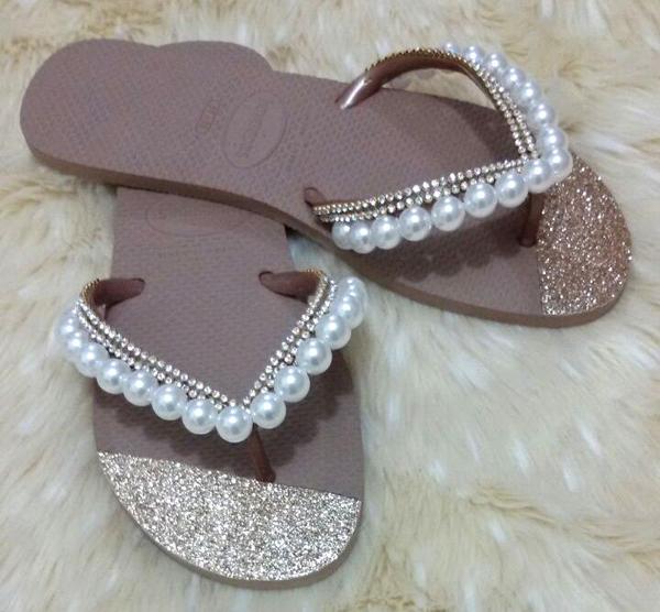chinelos decorados com glitter