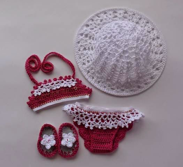 conjunto com biquíni em crochê infantil