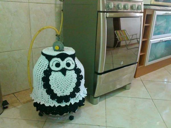 capa de bojão de crochê coruja preta