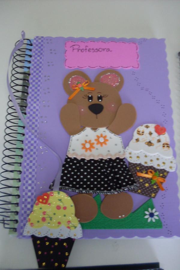 caderno com eva com marcador
